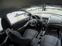Hyundai Solaris foto