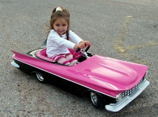 Педальный автомобиль для автоледи