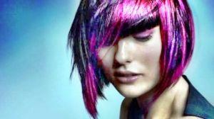 Фуксия на темных волосах