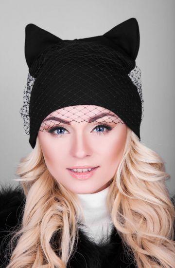 Модная шапка с ушами с вуалью