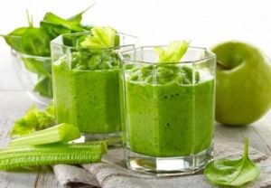 Рецепт смузи со шпинатом и фруктами от шлаков и для похудения