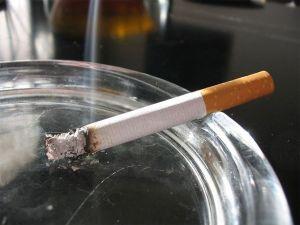 Как избавиться от табачного запаха в квартире народными средствами