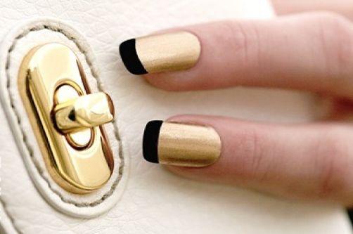 черный френч с золотом на ногтях фото