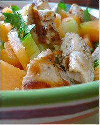 Рецепт необычного салата с куриным мясом и дыней