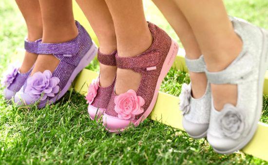 Как правильно выбрать обувь для девочек