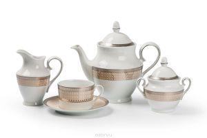 Особенности и преимущества чайных сервизов из фарфора