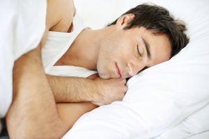 сколько нужно спать человеку в день