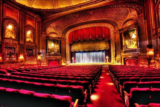 Театр. Как много в этом слове