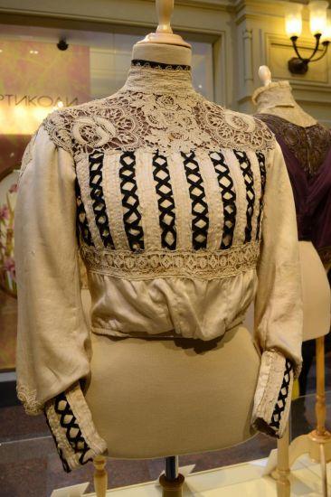 Как ухаживать за антикварной одеждой