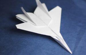 Как сделать бумажный самолет