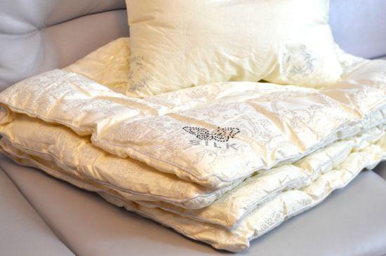 Подушки и одеяла из шелка