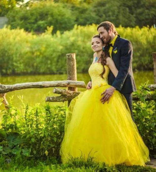 Цветное платье невесты