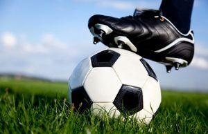 Идеальный подарок – качественные бутсы для футбола