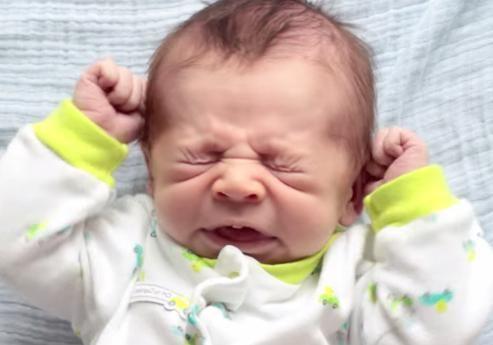 Почему новорожденные часто чихают