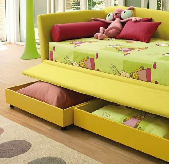 Что лучше для ребенка? Кровать или диван