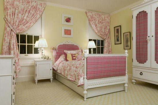 Особенности выбора штор для спальни