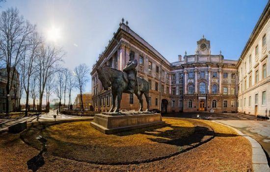 Великие и прекрасные достопримечательности: Неповторимость Мраморного дворца