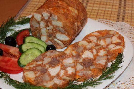 Рулет из мраморной говядины и куриного мяса