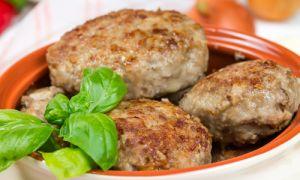 Котлеты мясные с орехами и сыром и рецепт их приготовления