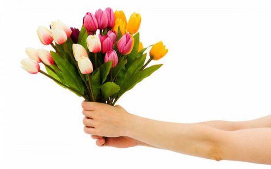 Цветы с доставкой в подарок
