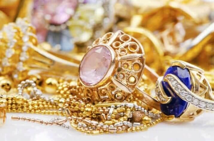 Как чистить украшения из драгоценных металлов