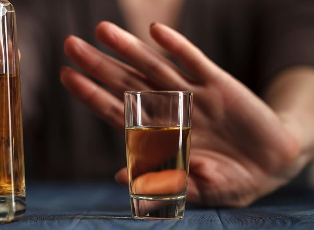 Отказ от спиртного на месяц изменит организм