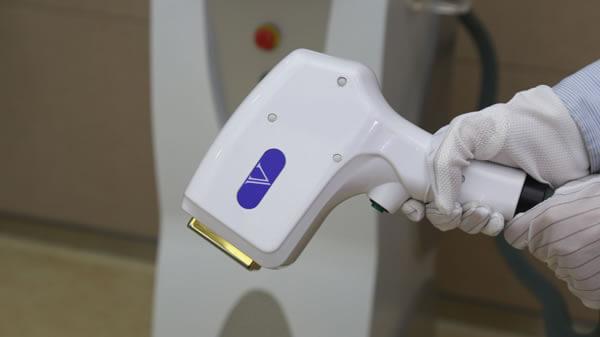 Диодный лазер 808 нм для эпиляции