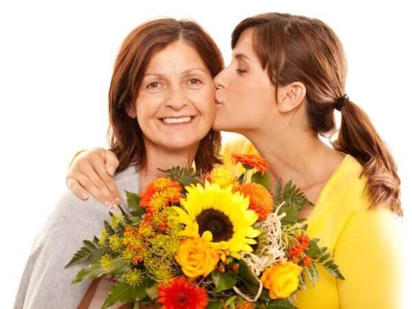 Лучший подарок для мамы – набор кастрюль или воспоминания? И то, и другое!