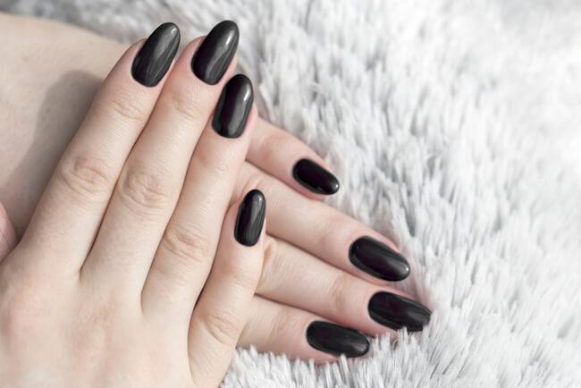 Глубокий черный