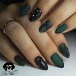 Зеленый френч на ногтях: интересные идеи, варианты и рекомендации