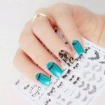 Интересный маникюр с наклейками: модный дизайн, тренды 2019