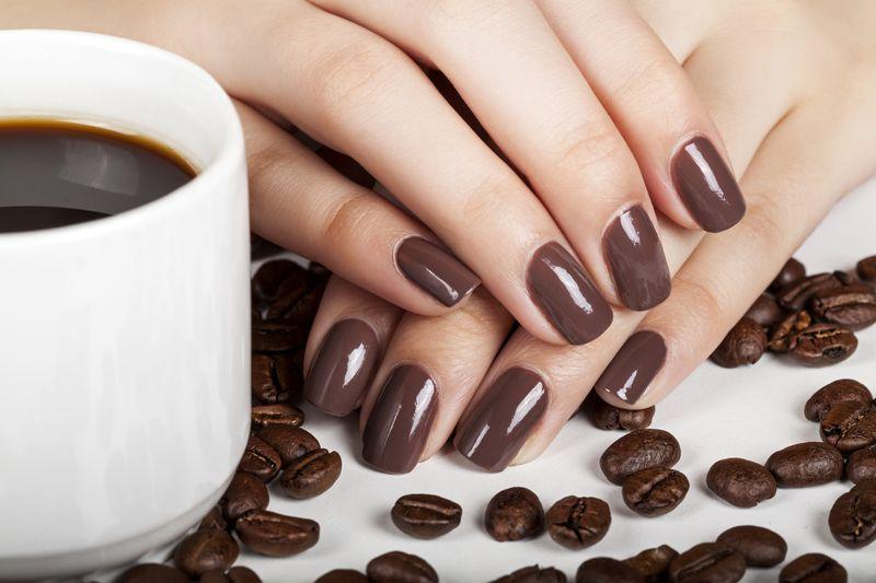 Маникюр «Кофе с молоком» (40 фото): дизайн ногтей лаком кофейного цвета