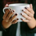Лучшие идеи кофейного маникюра - варианты декора, рисунки кистью, выбор цвета