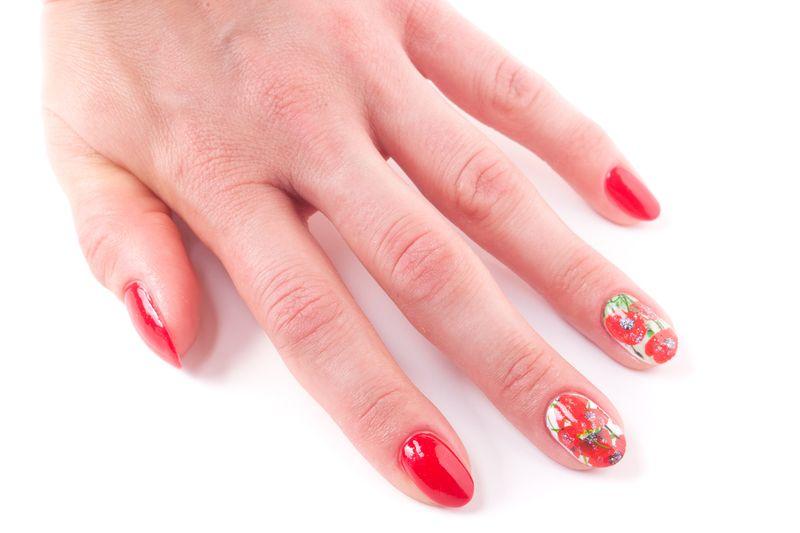 Дизайн ногтей с маками