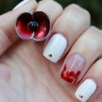 Дизайн ногтей с маками - самые яркие идеи, сочетание стилей, модные дополнения