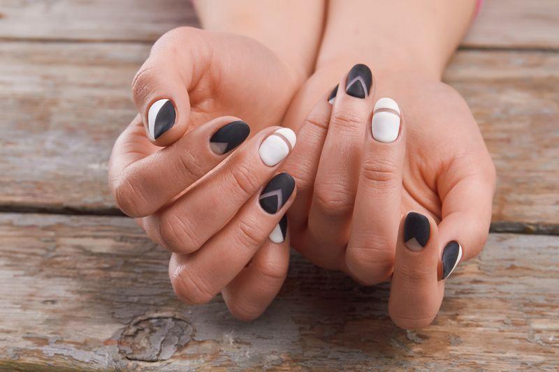 Французский маникюр на круглые ногти дизайн