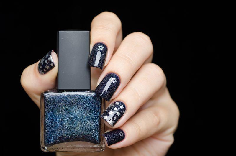 Дизайн ногтей «Звездное небо»